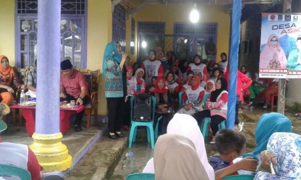 PILKADA TANGGAMUS: Kampanye di Pekon Kedamaian Kotaagung Pusat, Dewi Handajani Disambut Kesenian Marawis