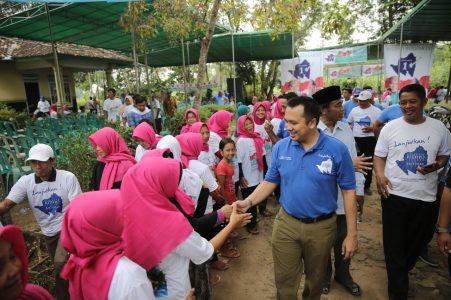 PILGUB LAMPUNG: M Ridho Ficardo Berdialog dengan Warga Raman Utara Lampung Timur