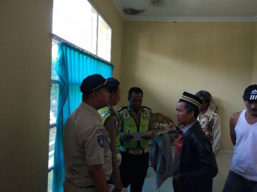 Colt Diesel Tabrakan dengan Bus Pariwisata di Jalinsum Blambangan Umpu