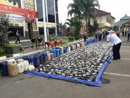 Polresta Bandar Lampung Musnahkan 2.800 Liter Miras dan 2.600 Liter Tuak