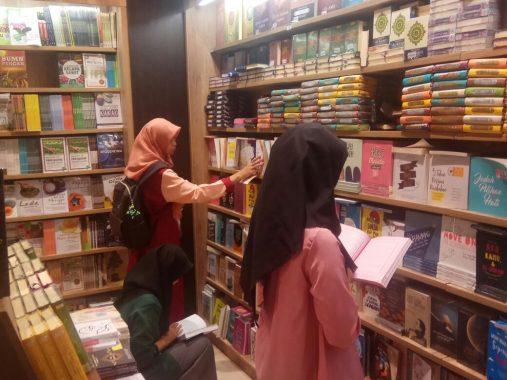 Awal Ramadan, Penjualan Alquran dan Buku Islam Naik 30 Persen