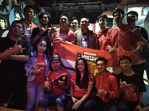 PILGUB LAMPUNG: Nobar Final Piala FA, Fans MU dan Chelsea Dukung Ridho Ficardo