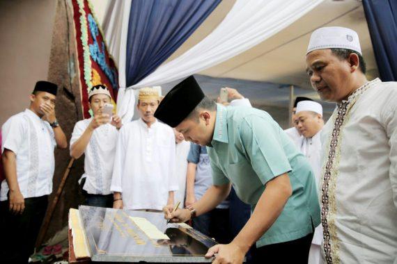 PILGUB LAMPUNG: Ridho Ficardo Tanda Tangani Prasasti Masjid Al Furqon Way Dadi-Sukarame