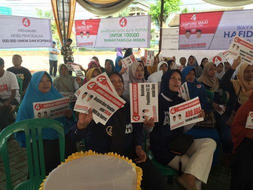 PILGUB LAMPUNG:Ibu-Ibu Pendukung Paslon 4 Bilang Senyum Ahmad Jajuli Kayak Arum Manis