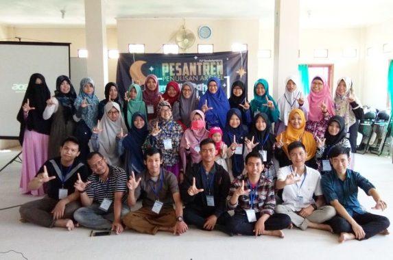 FLP Bandar Lampung Helat Pesantren Penulisan