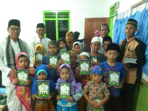 Laznas Dewan Dakwah Lampung Salurkan Iqra dan Alquran