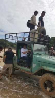 PILGUB LAMPUNG: Lalui Medan Berat, Ahmad Jajuli Temui Warga Way Haru-Pesisir Barat, Kandidat Pertama yang Ke Sini