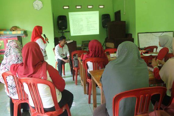 Mahasiswa Unila Tingkatkan Keterampilan Kader Posyandu