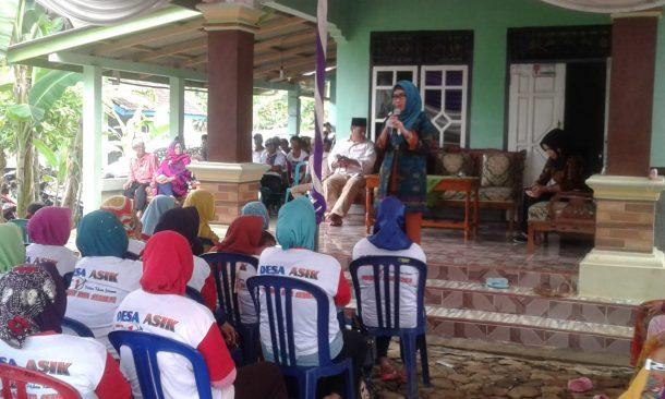 PILKADA TANGGAMUS: Calon Bupati Nomor Urut 1 Dewi Handajani Temui Pendukung di Pekon Pampangan-Cukuhbalak