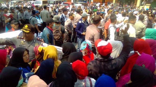 Bawaslu Gelar Rapat Pelanggaran Pidana Pilgub di Sentra Gakkumdu, Seribuan Aparat Kawal Ketat