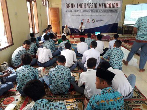 Program BI Mengajar Sambangi Ponpes di Telukbetung
