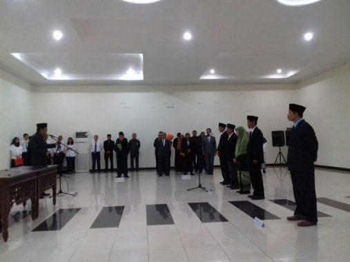 Rektor Unila Hasriadi Mat Akin Lantik Pejabat Tingkat Fakultas