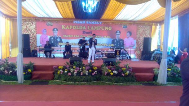 Pisah-Sambut Kapolda Lampung, Ada Artis Ini Ibu-Ibu Bhayangkari Joget Gembira