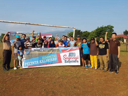 Komunitas Pecinta Kalpataru Bersih-bersih Lapangan di Kemiling