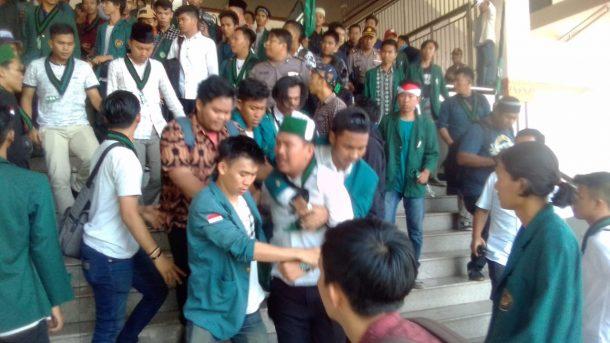 HMI Bandar Lampung Kembali Bentrok dengan Satpol PP Provinsi Lampung