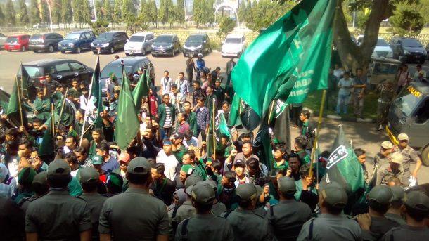 HMI Bandar Lampung Tagih Janji Anggota Dewan Sampaikan Tuntutan ke Jokowi-JK
