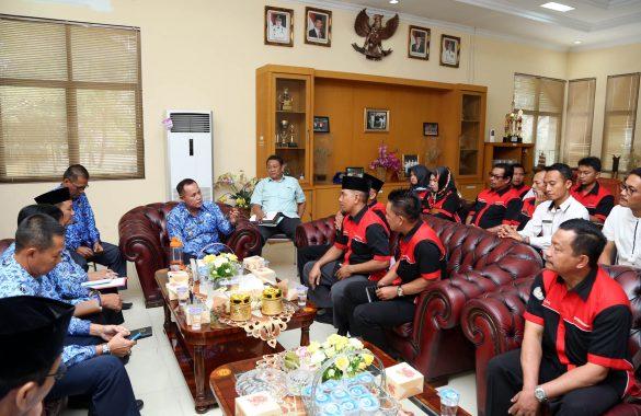 Audiensi dengan Plt Bupati Lampung Selatan, Guru Honorer Murni Minta Gaji Setara UMP