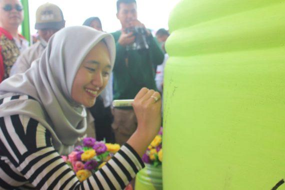 Adik Nunik Dr Jihan Chalim Ikut Lepas 4 Truk Berisi Tungku Brajaluhur