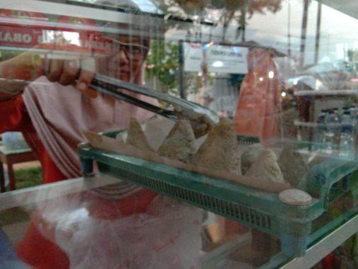 Di Lampung Fair Ada Sulis Jual Bakso Gunung Krakatau, Sudah Cobain Belum, Sob?
