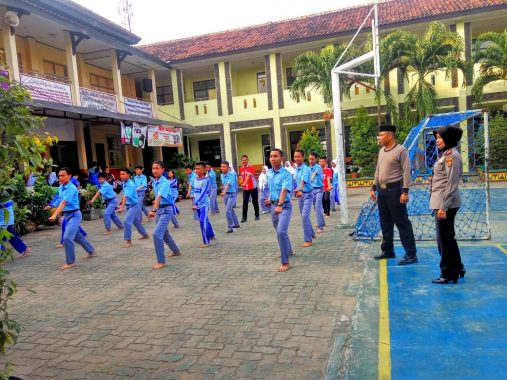 Lima Puluh Anggota Pramuka SMK SMTI Bandar Lampung Isi Hari Sumpah Pemuda di Polda Lampung
