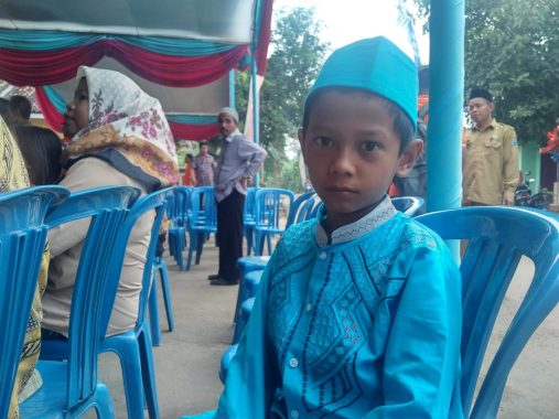 Ilham Ramsyah Sibarani Senang Disunat Program Khitanan Massal PT Suri Tani Pemuka Lampung