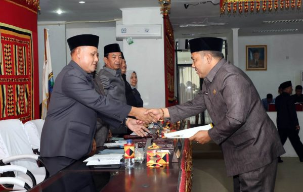 Plt Bupati Lampung Selatan Sampaikan Raperda APBD 2019