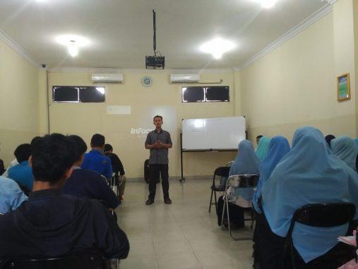 Ketua Magnet811 Pembuka Rezeki Azmy Rahman Arif Bekali Pengurus FKAR Bandar Lampung