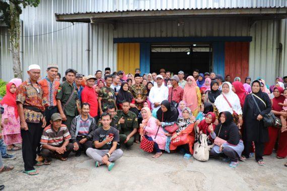 Bupati Lampung Barat Parosil Mabsus Lepas Peserta Ziarah Partisan Siliwangi