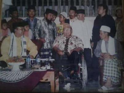 Bupati Lampung Tengah Loekman Bantu Korban Angin Puting Beliung