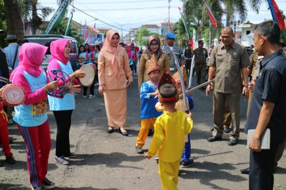 Bupati Tanggamus Dewi Handajani Hadiri Gebyar PAUD