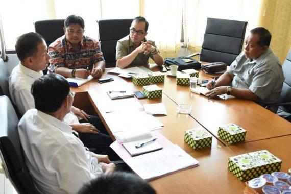 Sambangi Desa Kunjir Rajabasa, Nanang Ermanto Imbau Warga Jaga Kebersihan Pantai