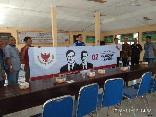 KPU Tulangbawang Barat Serahkan Alat Peraga Kampanye