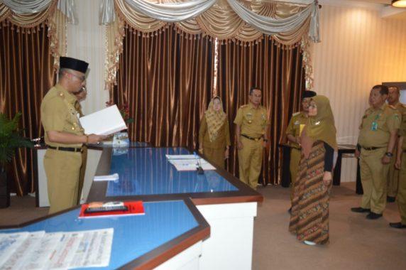 Pj Sekdakab Tanggamus Lantik Direktur Rumah Sakit Umum Daerah Batin Mangunang