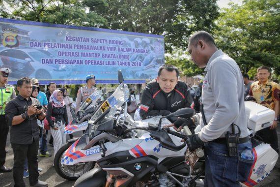Gubernur Lampung Ridho Ficardo Tes Drive Pengawalan Tol