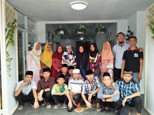 Kuliner Mak Hera Santuni Yatim, Sinergi dengan ACT Lampung Sediakan Kencleng Kemanusiaan