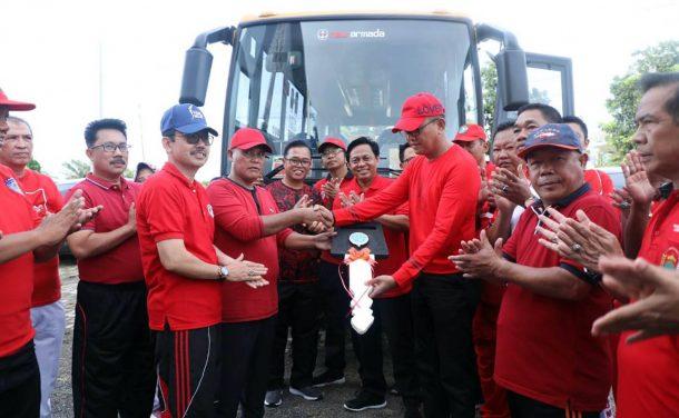 Plt Bupati Lampung Selatan Beri Bantuan Satu Unit Bus Sekolah