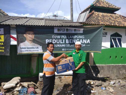 Posko PKS Lampung Kebanjiran Sumbangan Warga untuk Didistribusikan ke Pengungsi Korban Tsunami Lampung Selatan