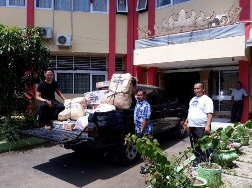 Alumni SMA YP Unila 1987 Bantu Korban Tsunami ke Posko Kementerian Agama
