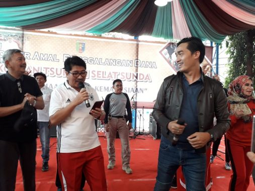 Dewan Syuro Relawan Ganti Presiden Ahmad Mufti Salim Nyanyikan Lagu