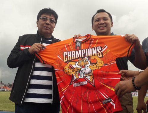 Nonton Laga Amal Persija Jakarta Vs Pra-PON Lampung, Gubernur Ridho Janji Perbaiki Stadion Sumpah Pemuda PKOR Way Halim