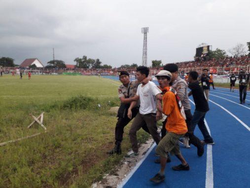 Laga Amal Pra-PON Lampung Vs Persija Jakarta, Polisi Tangkap 2 Penonton Bikin Ribut
