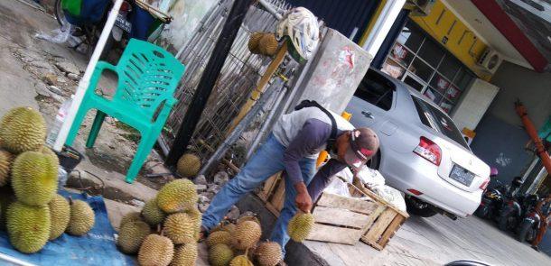 Pedagang Durian Banjiri Bandar Lampung