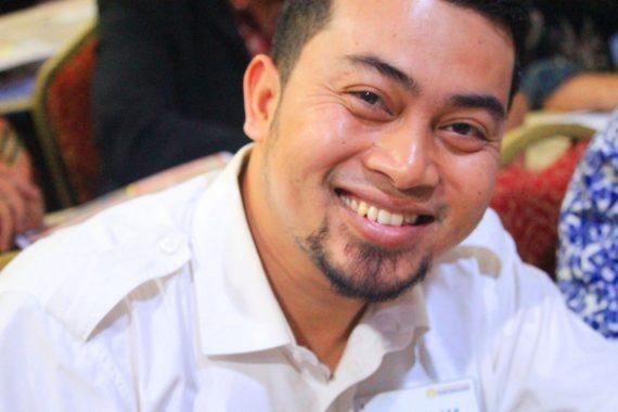 Nunik dan Erry Akad Nikah di Lapangan Desa Karanganom Waway Karya Lampung Timur, Saksinya Zulkifli Hasan dan Muhaimin Iskandar