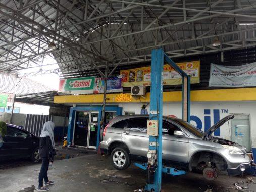 Bengkel Mobil Auto Persada Jalan Monginsidi Jamin Pelayanan dengan Mekanik Andal