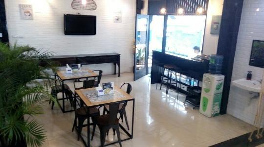 Kafe Claris Hotel Andalas Jalan Raden Intan Bandar Lampung Tawarkan Sajian Menu Kaki Lima