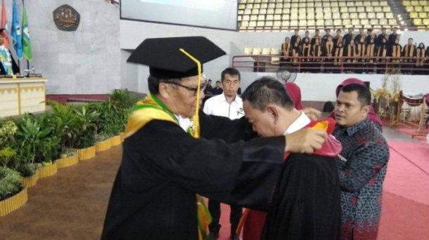 Advertorial: Maroni Dikukuhkan Jadi Guru Besar Ilmu Hukum Pidana Universitas Lampung