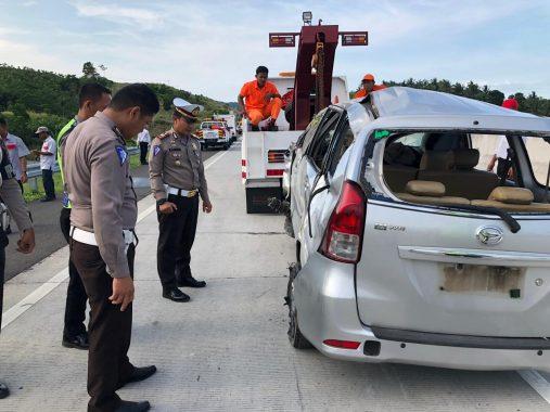 Kecelakaan di Tol Bakauheni-Terbanggibesar, 2 Penumpang Xenia Tewas