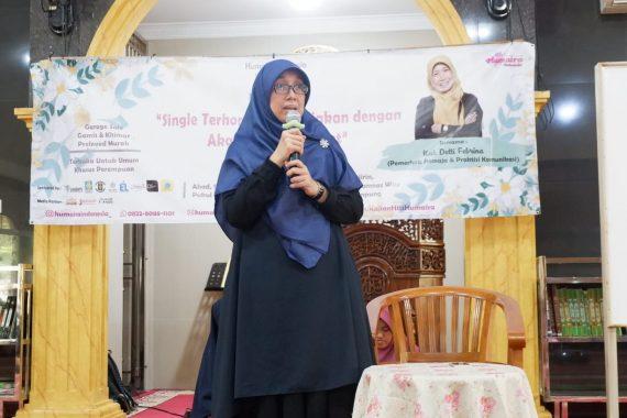 Isi Kajian Hits Humaira Indonesia, Detti Febrina: Pacaran Banyak Positifnya