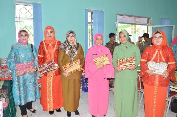 Bupati Dewi Handajani Lantik Pengurus Dekranasda Tanggamus