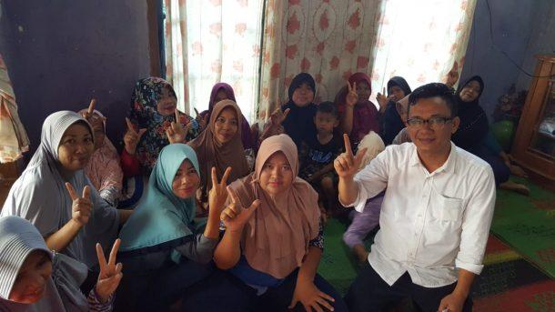 Komunitas Berbagi Lampung Beri Makan Siang Gratis kepada Duafa